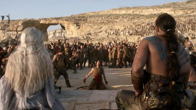 Archivo:Matrimonio de Daenerys Targaryen y Khal Drogo HBO.png