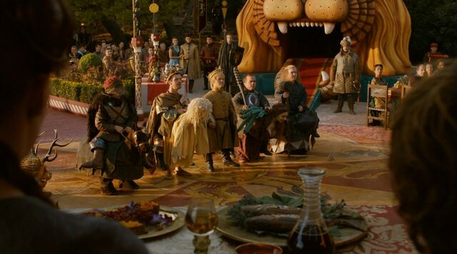 Archivo:Espectáculo enanos Boda púrpura HBO.jpg