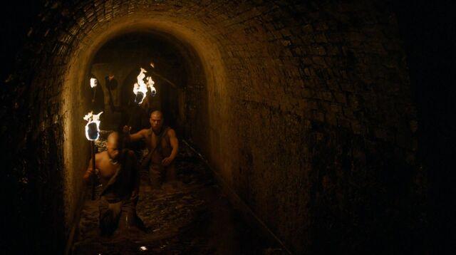 Archivo:Batalla alcantarillas Meereen HBO.jpg