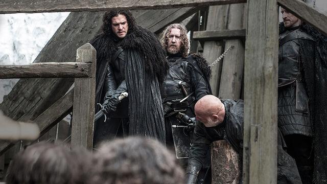 Archivo:Jon ejecuta a Janos Slynt HBO.jpg