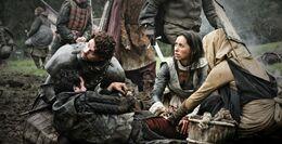 Robb ayuda a Talisa HBO