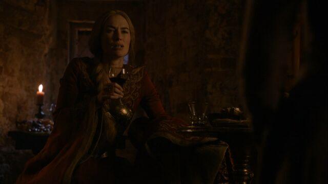 Archivo:Cersei durante la Batalla del Aguasnegras HBO.jpg