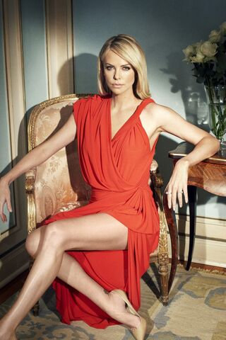 File:01-Charlize-Theron-Photoshoot-for-Madison-Magazine-June-2012.jpg