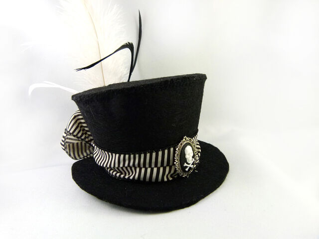 File:Black and white striped skull cameo mini top hat by angelyques-d5ky8bv.jpg