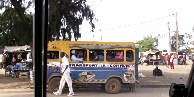 File:Bush Taxi Senegal.jpg