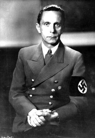 File:Bundesarchiv Bild 183-1989-0821-502, Joseph Goebbels.jpg