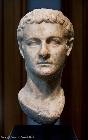 File:Caligula2.jpg