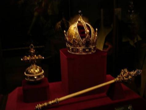 File:Austrian Crown Jewels.jpg