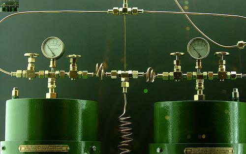 File:Lighthouse equipment.jpg