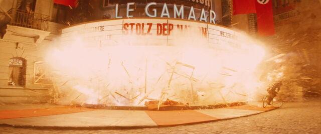 File:Le Gamaar explodes.jpg
