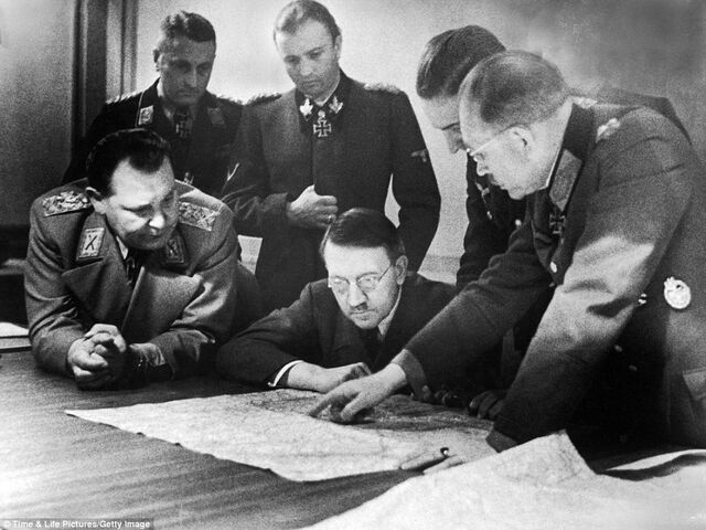 File:Battle of Bulge map pointing session.jpg