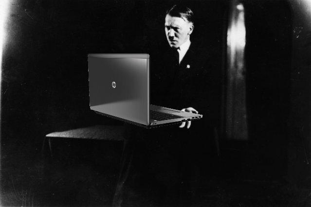 File:Hitler ordinateur.png