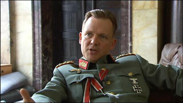 File:Justus von Dohnanyi talks about Burgdorf.jpg