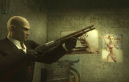 47 wielding a shotgun in Blood Money
