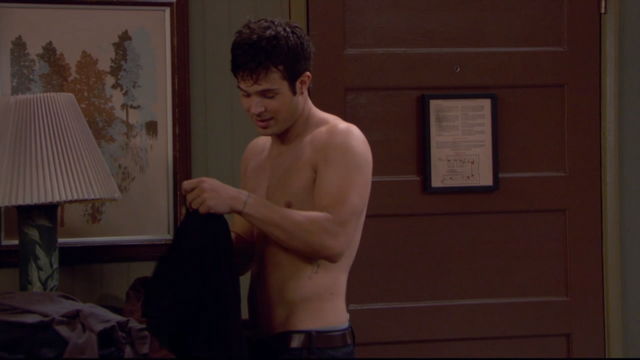 File:Eddieshirtless178.png