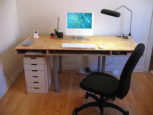 File:My new desk.jpg