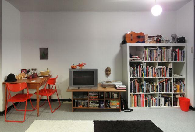 File:13a2 livingroom-6632.jpg