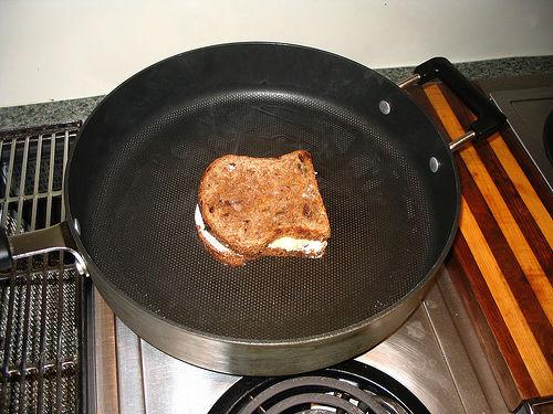 File:On the pan.jpg