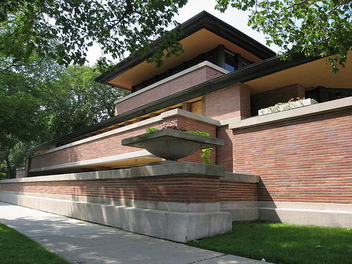 File:Robie House designed by Frank Lloyd Wright 1909.jpg