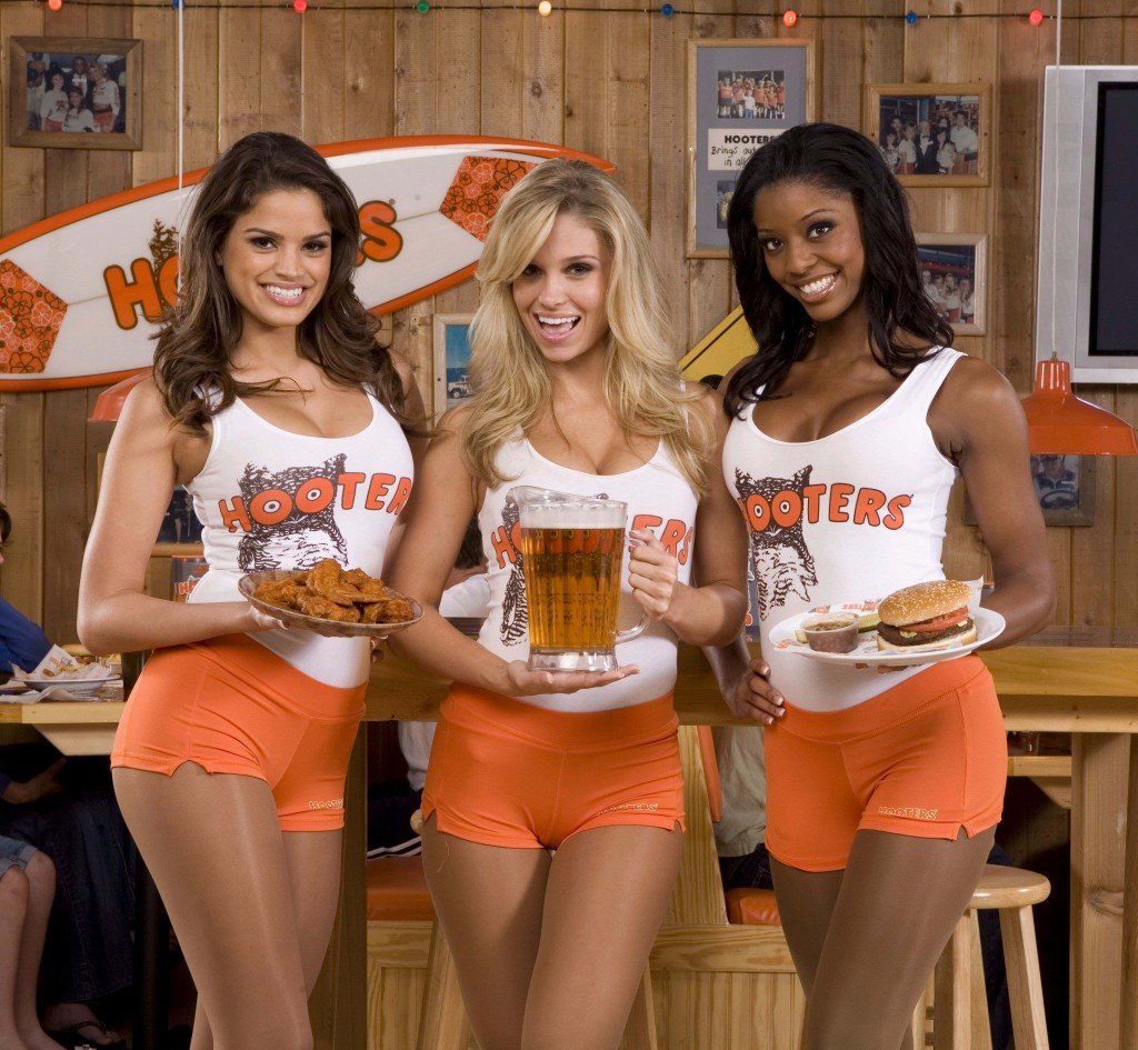 Hooters Girls Hooters Wiki Fandom Powered By Wikia