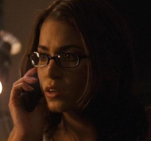 File:Luna got a call from Ghostface.jpg