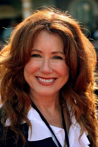 File:Mary McDonnell .jpg