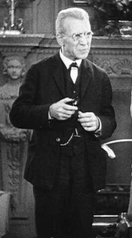 File:Professor Van Helsing (Universal Classics) 001.jpg