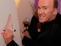 Peter Nottmeier auctioned his shoe painting at ebay for the 'Red Nose Day'-Charity
