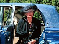 Astrid i begravelse 118531a.jpg