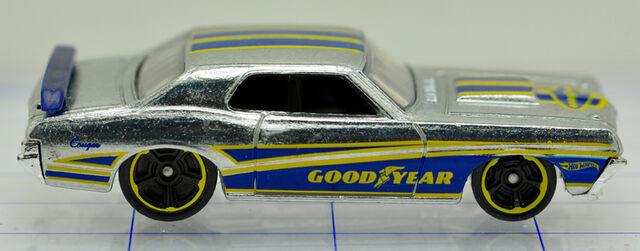 File:69-mercury-cougar-silver-goodyear-hw (2).jpg