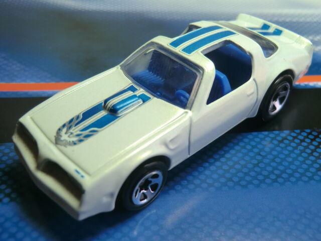 File:Pontiac Firebird CIMG1233.JPG