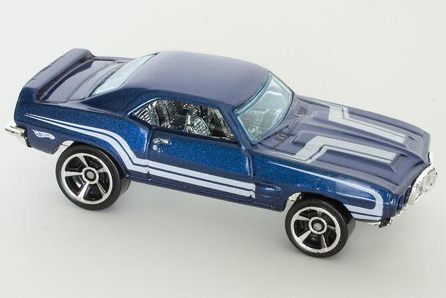 File:2010 Muscle Mania '69 Firebird T A Blue.jpg