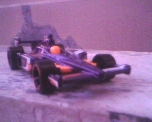 File:2011 Indycar Oval Course Race Car.jpg