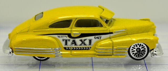 File:47-chevrolet-fleetline-yellow-taxi-hw (2).jpg