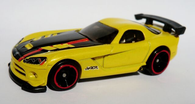 File:'08 Viper SRT10 ACR.2012 Yellow.jpg