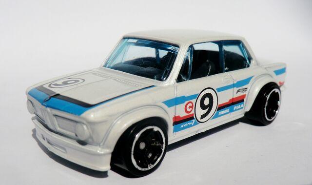 File:BMW 2002.2012 White.jpg