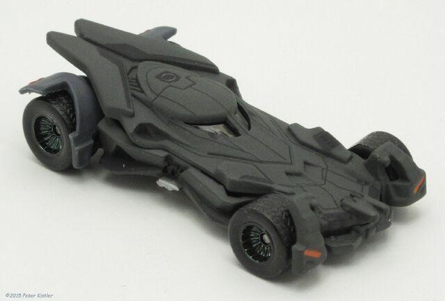 File:Batmobile (Batman vs Superman)-26304.jpg