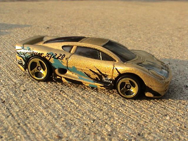 File:Jaguar XJ220 - Gold.JPG