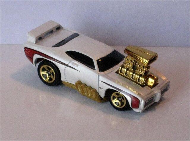 File:69 Pontiac GTO Judge(toon'd).jpg