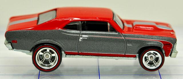 File:68-chevrolet-nova-red & gray-hw (2).jpg