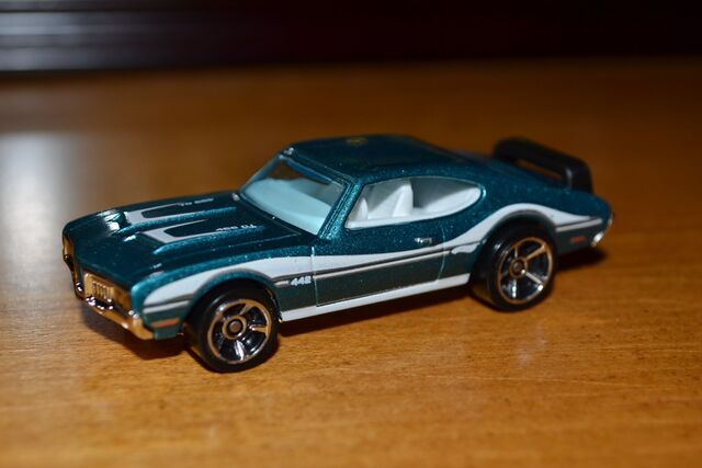 File:Hot Wheels 2011 Olds 442.jpg