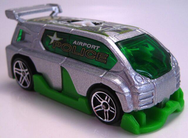File:Hyperliner silver cop squad 5 pack car 2003.JPG