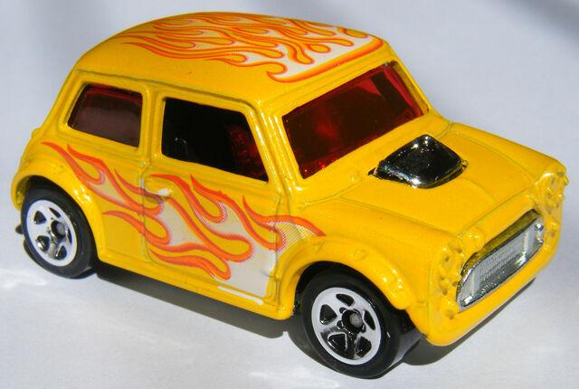 File:Mini Cooper - 09 Heat Fleet.JPG