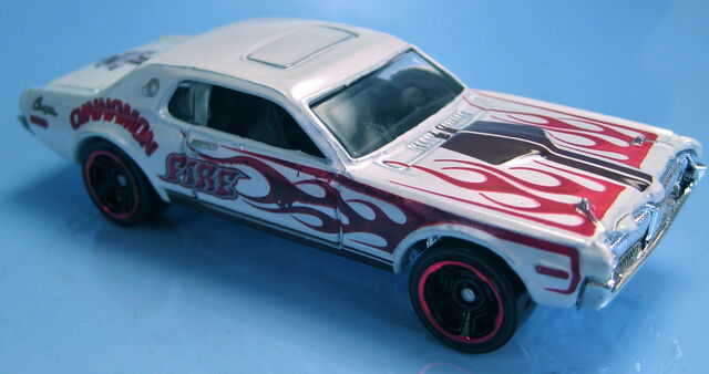 File:'68 Mercury Cougar kroger sweet rides pearl white.JPG
