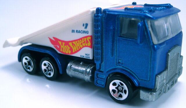 File:Ramp Truck blue Racing Team 5sp.JPG