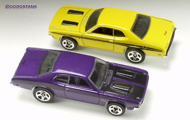 File:Demon 71 Yellow Purple 09 Thomas.jpg