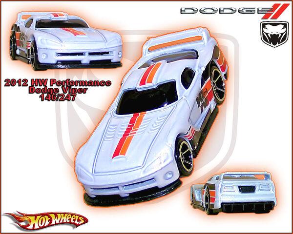 File:2012 HW Performance Dodge Viper 146-247.jpg