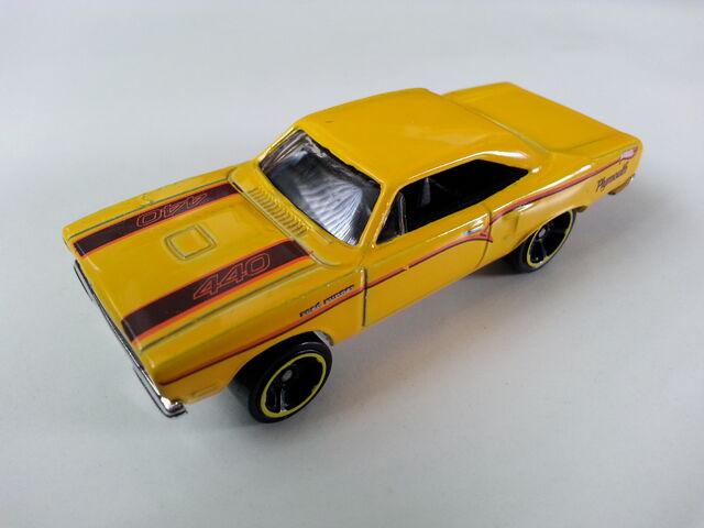 File:'70 Plymouth Roadrunner (1998) side.jpg