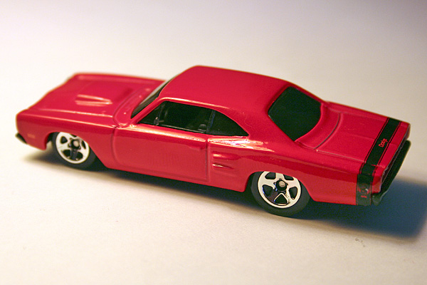 File:69 coronet super bee red.jpg