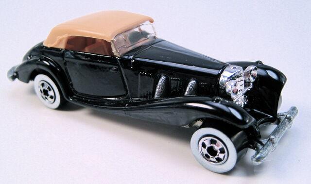 File:Mercedes 540K black tan top WW MAL base.JPG
